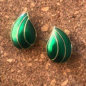 Green drop vintage earrings